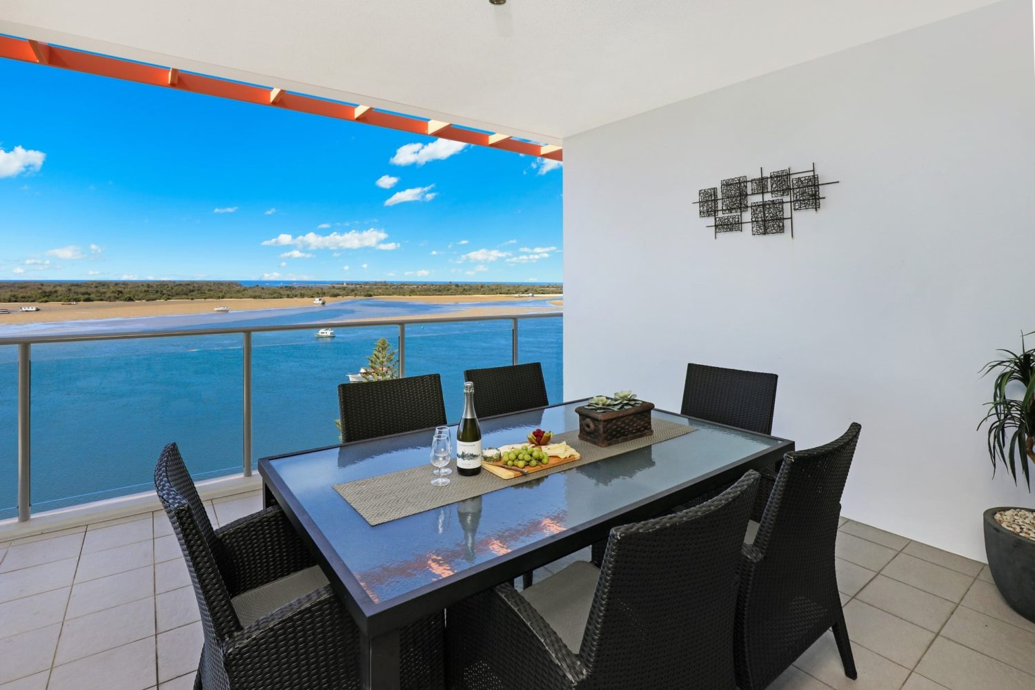Gold Coast Broadwater Holiday Apartments - Silvershore ...